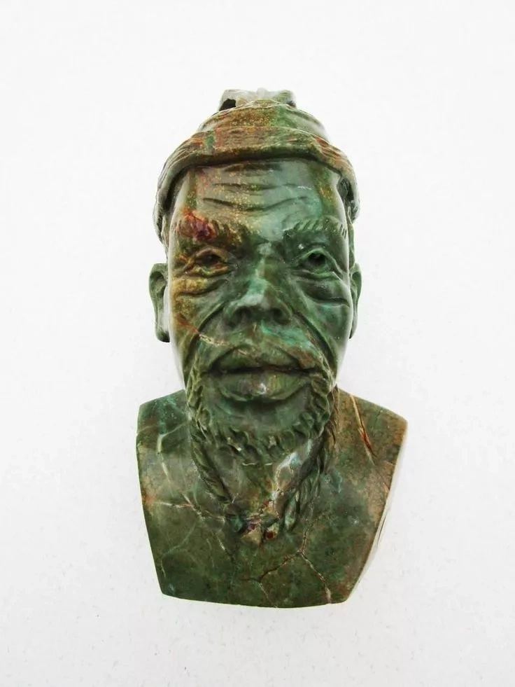 Tribal African Green & Brown Stone Bust Hand Carved in Zimbabwe. Courtesy: Pinterest