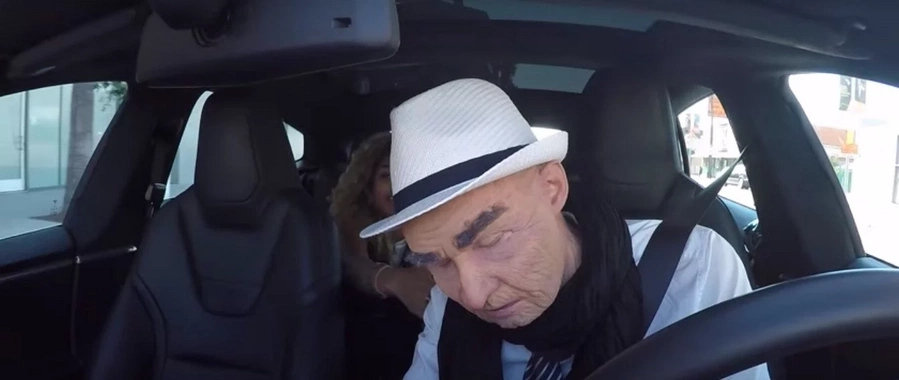 Passengers are shocked when their old taxi driver falls asleep
