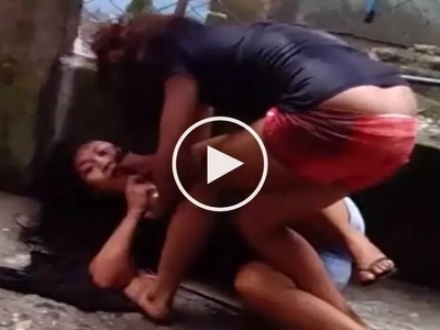 Violent Filipina caught on video brutally assaulting helpless female neighbor