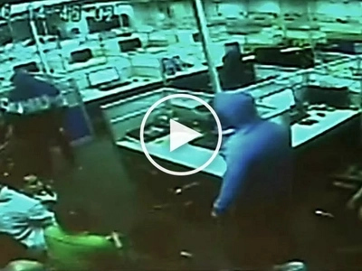 Terrifying video of Pinoy cops allegedly harassing employees and planting shabu in their drawers goes viral