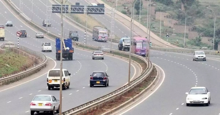 Kenyans to soon cruise on a 120 Kph superhighway as Uhuru Kenyatta embarks on legacy projects