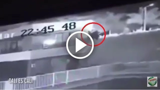 Espeluznante video de bruja asechando una casa