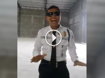 The Singing Security Guard From Davao Is About To Give Brian McKnight A Run For His Money!