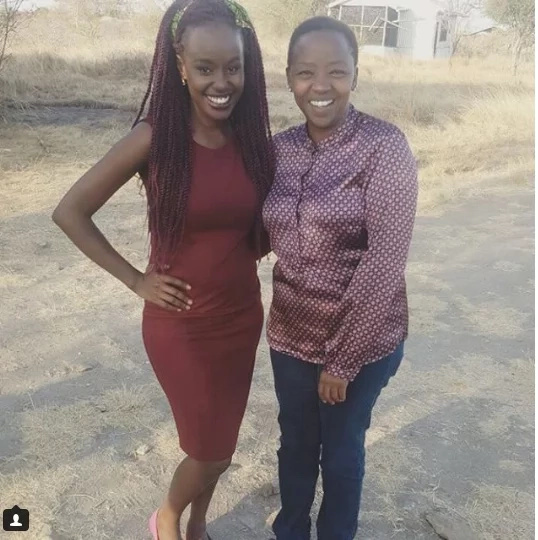 William Ruto's wife on camera wearing a shirt that looks like Uhuru's favourite silk shirt
