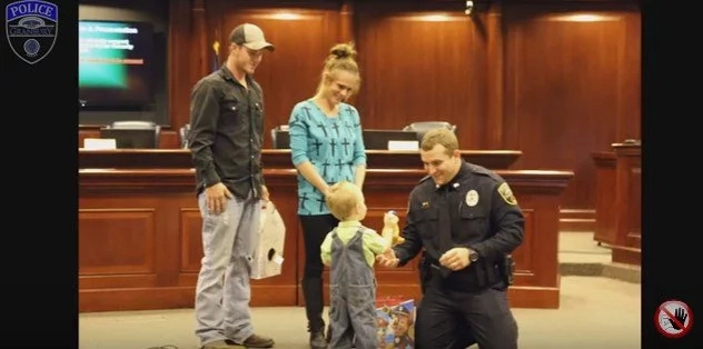 Texas Officer Saved 3-Year-Old Boy's Life Because Of His QUICK-THINKING (Video)