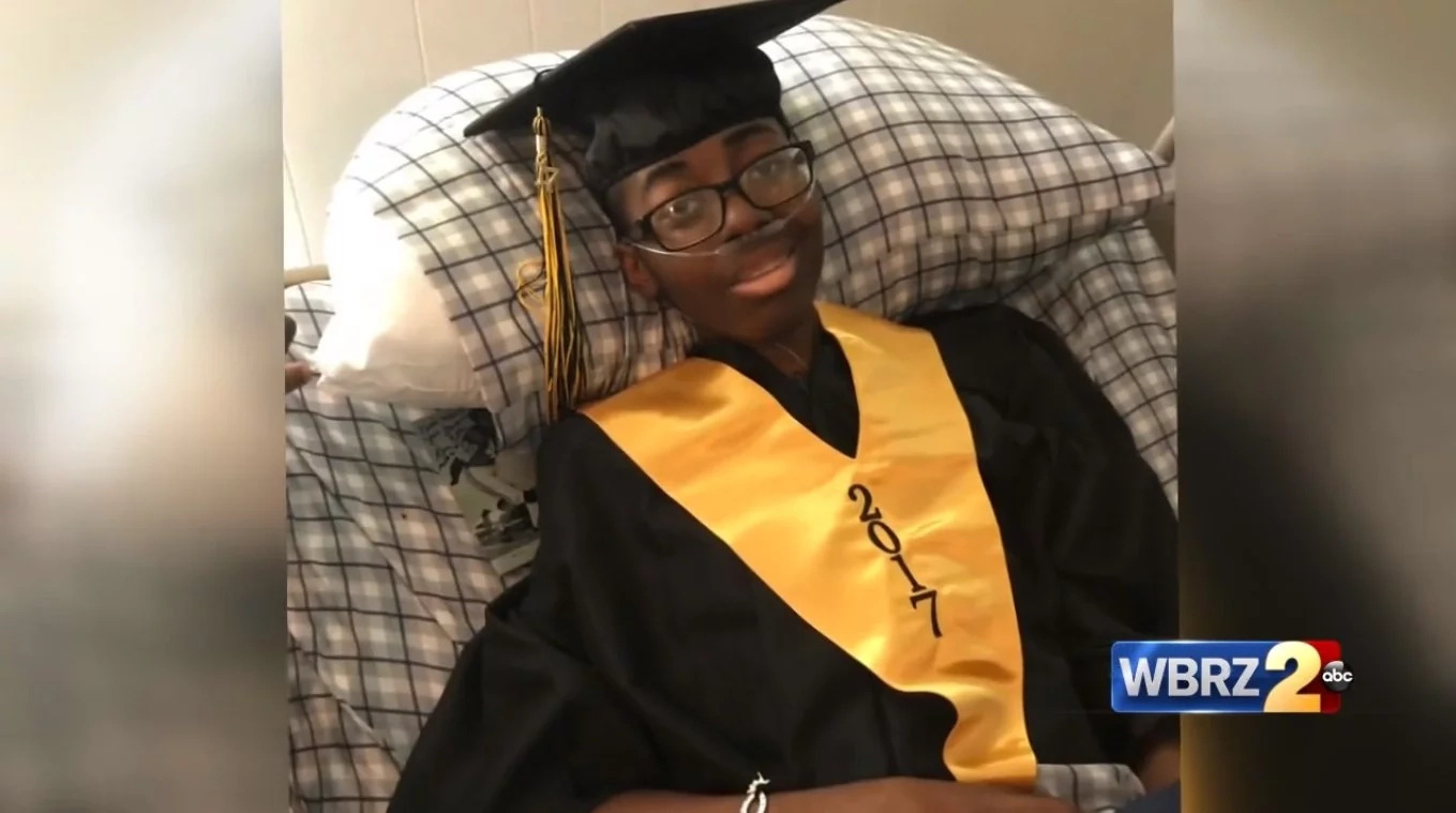 A 17-year-old student diagnosed with cancer receives diploma before passing away
