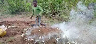 10-year-old boy forced to burn charcoal to save his family of 6 after dad disappeared(photos)