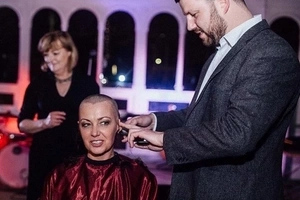 Bride shaves her hair off at her WEDDING to support terminally-ill groom (photos, video)