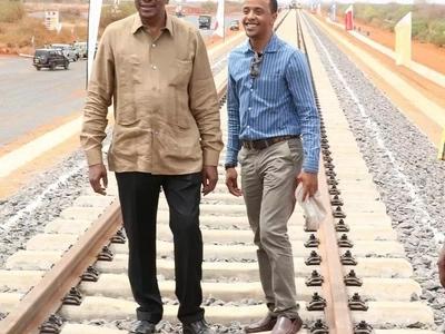 Was Uhuru Kenyatta embarassed that his eldest son married from Raila's backyard?