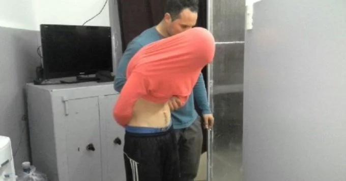 Se turnaba con sus primos para violar a su hermana menor