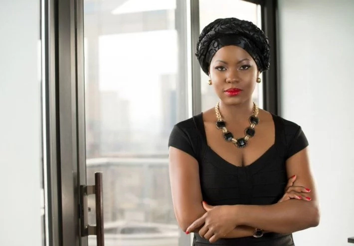 Meet only woman who believes she can beat 20 veteran male politicians to become president (photos)