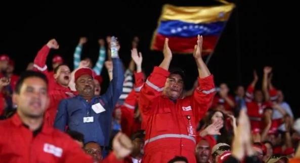 Despedidos por firmar carta revocatoria contra Maduro