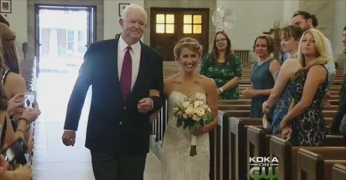 Man walks the daughter of his donor on her wedding day