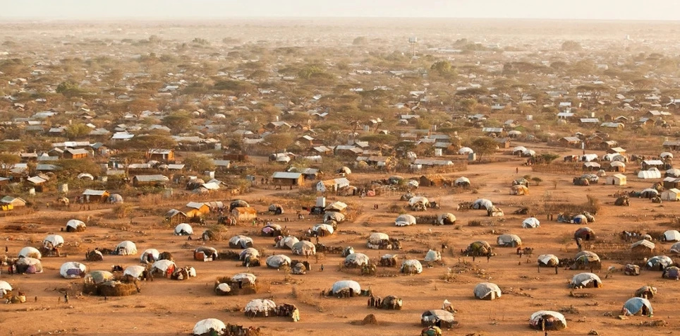 Obama fails to convince Uhuru to keep refugee camps open