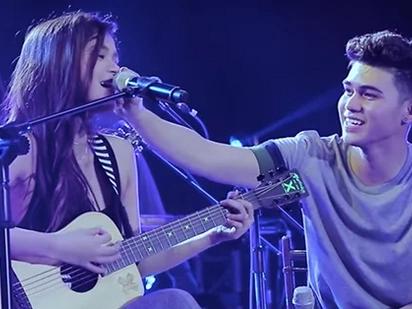 Ikaw lang sapat na! Maris Racal performs original song for Iñigo Pascual onstage