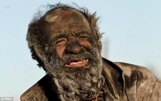 Meet 80-year-old man who hasn't bathed for 60 years (photos, video)