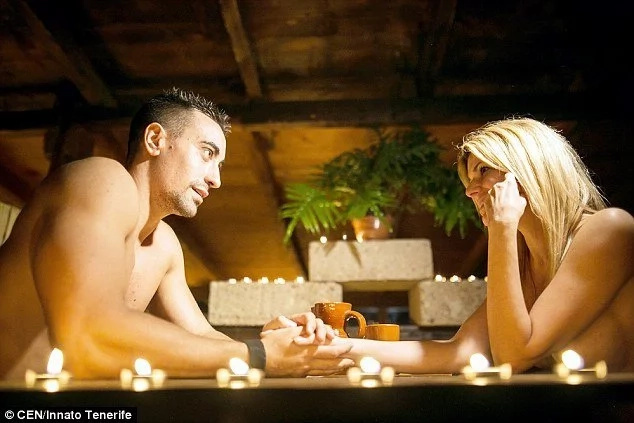 See restaurant where diners eat food directly off NAKED bodies of waiters and waitresses (photos)