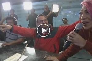 Walang pinalambas si ateng! Vice Ganda asks Its Showtime Director Bobet Vidanes to do the 'Mannequin Challenge'