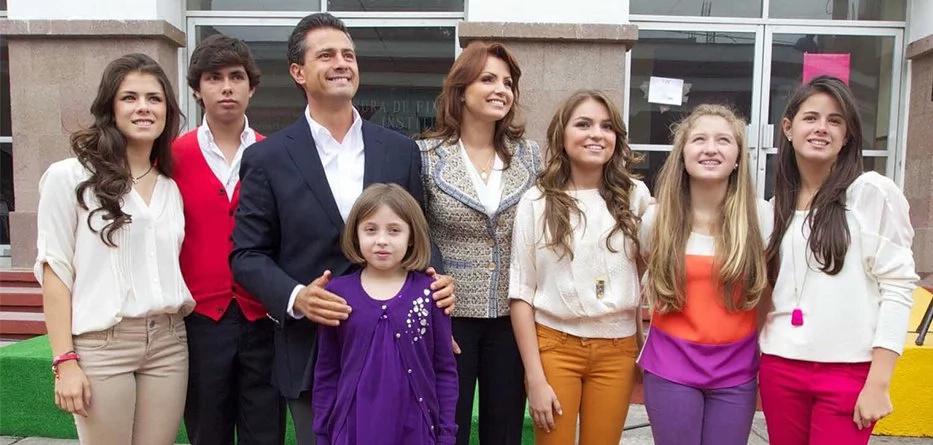 Las terribles fotos de Peña Nieto y su familia