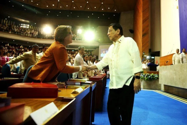 Netizens reacted to Duterte-De Lima clash