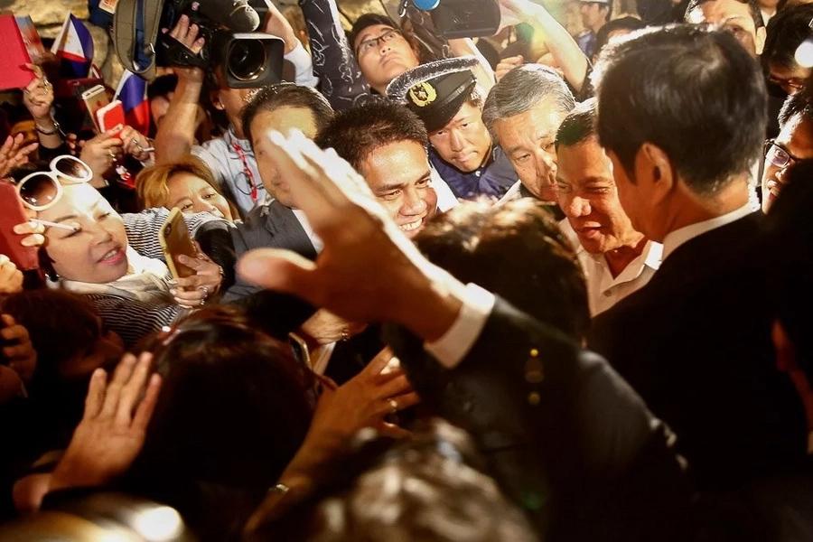 Filipinos in Japan cheer arrival of Pres. Duterte