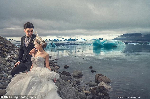 Bride had wedding shoot when helicopter almost lands on her head! But result was worth it