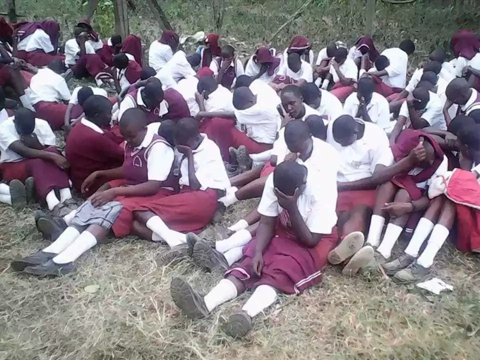 Drama as pupils terribly cane their teachers