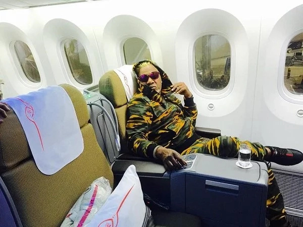 Lilian Muli hangs with Congolese star Awilo Longomba