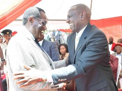 Seneta afichua sababu ya kuhamia Jubilee kutoka CORD