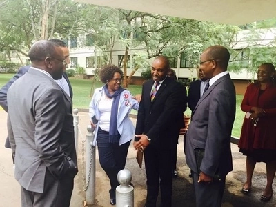 Three Cabinet Secretaries dine at top city hotel as it is declared Cholera free