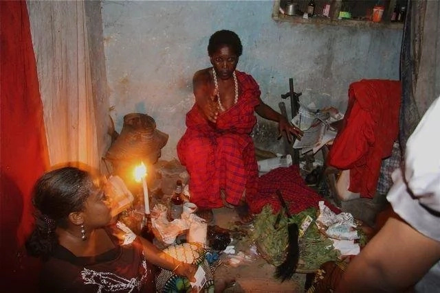 Ishara za mwanasiasa anayetumia ndumba za uchawi – aeleza mchawi wa Kenya