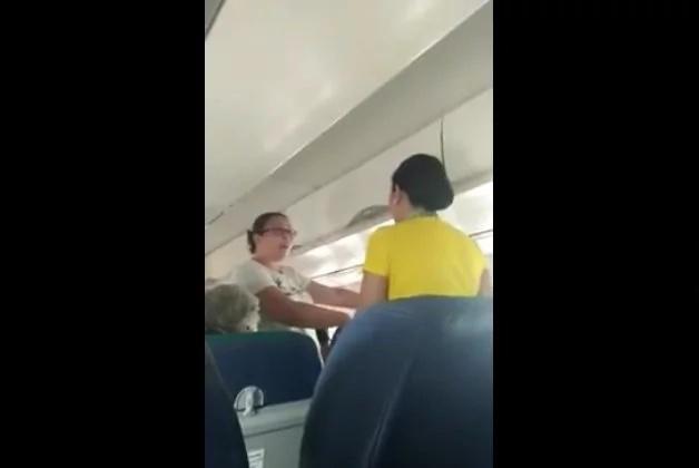 Passengers complain about Cebu Pacific plane ventilation