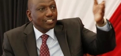 Did Ruto's hand touch the wrong place? (photo)
