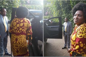 Sonko's response after Kenyans dissed him for carrying Shebesh's handbag