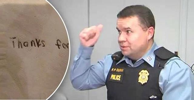 Los policías estaban cenando cuando un adolescente dejó una nota en su mesa y huyó rápidamente. Nunca esperaron leer ESTO