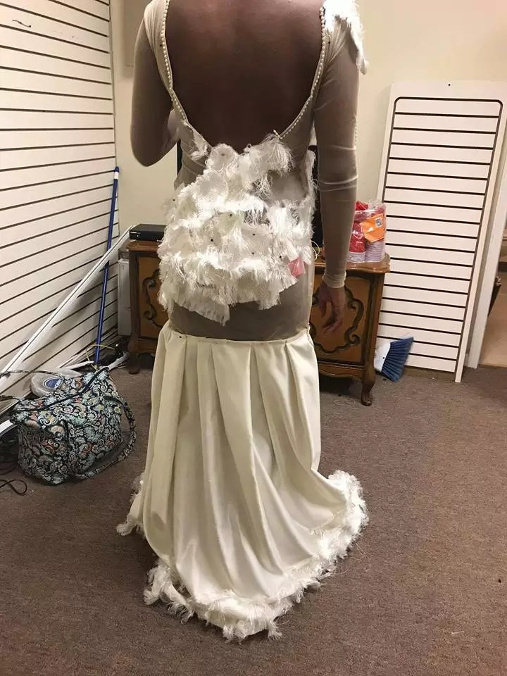 Teen's excruciating prom dress fail leaves her devastated - and her mum furious