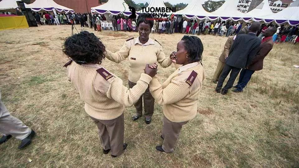 Picha hizi za Rachael Ruto kanisani zitakuliwaza roho(picha)