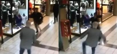 Un abuelo logró detener a un ladrón en un centro comercial y se convirtió en todo un héroe