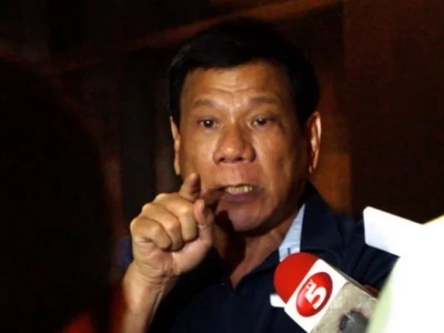 Duterte to corrupt cops: Quit or be humiliated