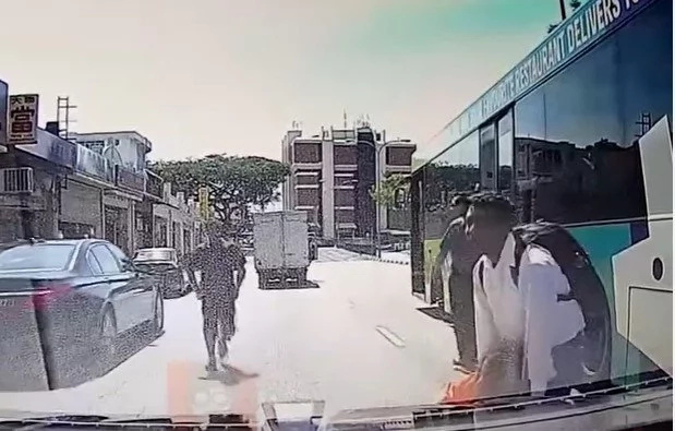 Woman Hit By Bus And Everything Gets Recorded