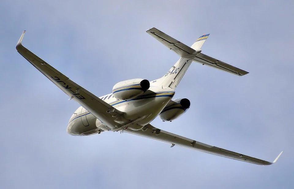 Colombianos están viajando más en avión