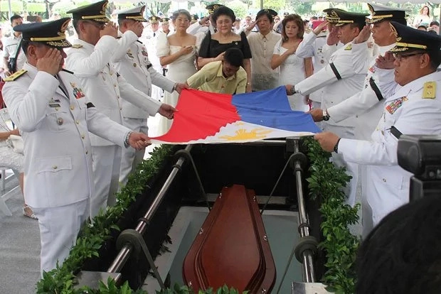 UP's APO Fraternity to protest Marcos burial naked