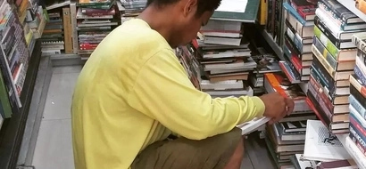 This construction worker has inspired netizens because of this touching reason