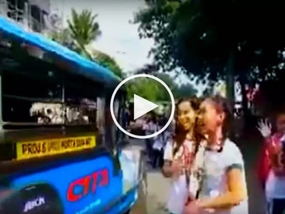 Playful Pinay high school students suffer painful accident while pranking jeepney driver
