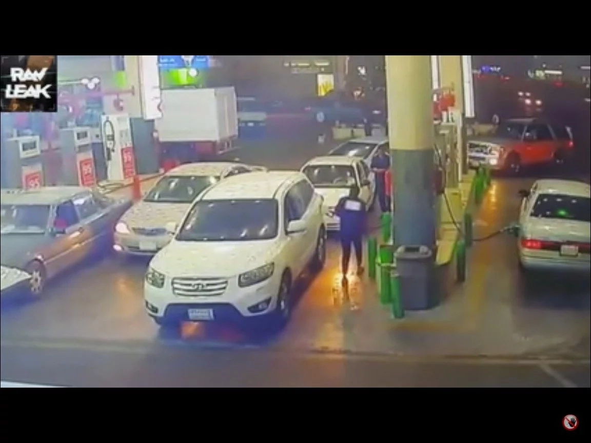 Video Shows The Shockin Moment When A Car Caught Fire During Refueling