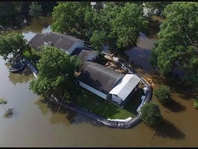 This man from Texas stopped flood from entering his house. Find out how!