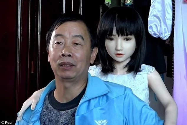 Meet divorced man who LIVES with 7 human-size sex dolls but don't sleep with them (photos)