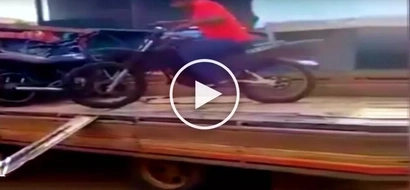 Hilarious video of clumsy Pinoy motorcycle rider's painful and embarrassing accident goes viral