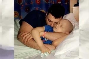 Estos padres publicaron una imagen desgarradora al saber que a su hijo de 5 años con cáncer le quedan solo unos meses de vida