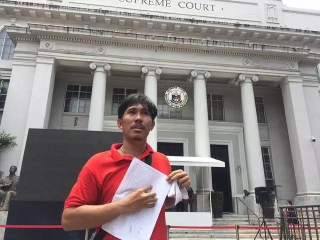 Very Inspiring! Former janitor successfully hurdles the 2016 Bar exams